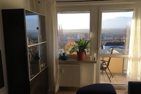 Komfortables Zimmer in Wohnung mit Panoramablick - Nordhausen