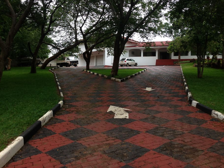 Main entrance to The WhiteHouse of Victoria Falls