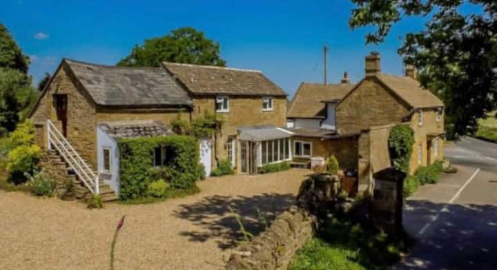 Foxhill, Guiting Power - exquisite annexe.
