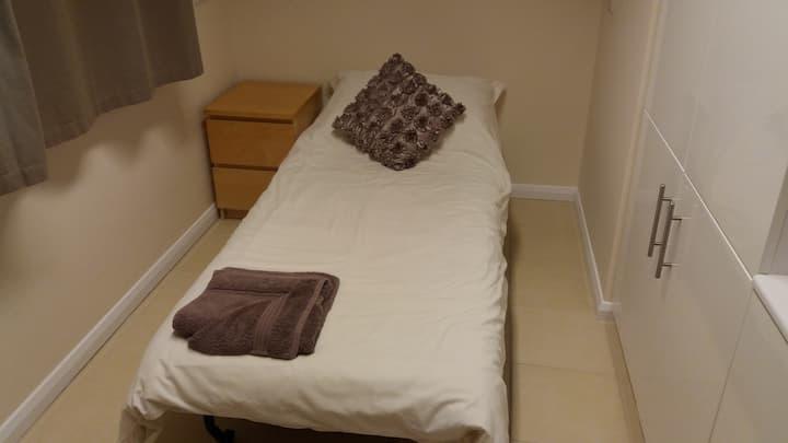 Single room on the edge of Derbyshire