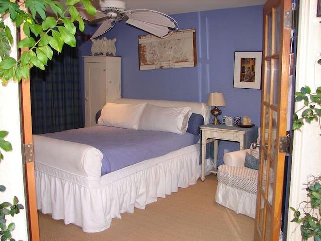 Exquisitely Furnished LaQuinta Home - La Quinta - 단독주택