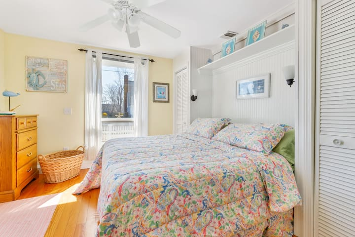 Plenty of sunlight in this king bedroom with double closets