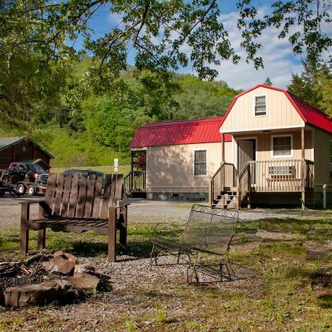 Bramwell ATV Resort 2 min from Trail head