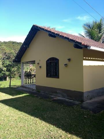 Casa Kitnet II Rua Cachoeira - Sana, RJ