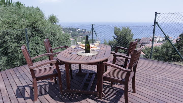 Costa Brava apartment with stunning sea view