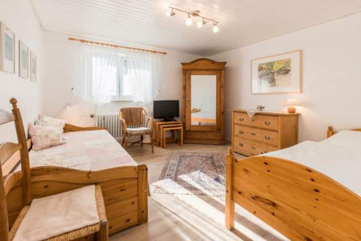 Haus Hildegard Keller, (Kressbronn a. B.), Ferienwohnung 35 qm, 1 Wohn-/Schlafraum, max. 2 Personen