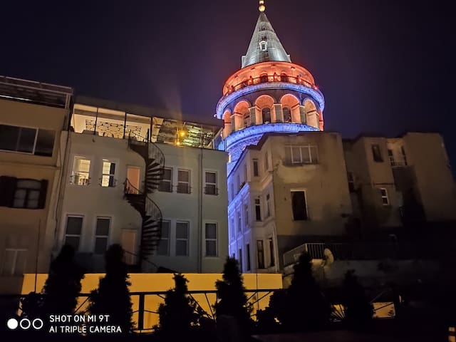 Modern Apartment & Terrace - Next to Galata Tower