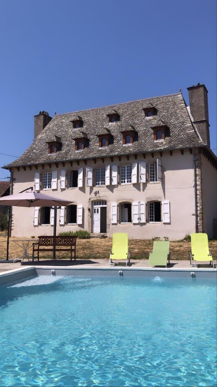 Maison de maître de 1789 rénovée avec piscine