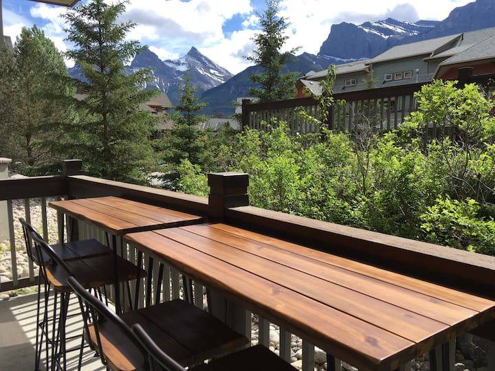 Beautiful 2bedroom/2bathroom in Canmore