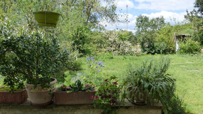 Maison de village avec jardin - L'Isle-Jourdain - บ้าน