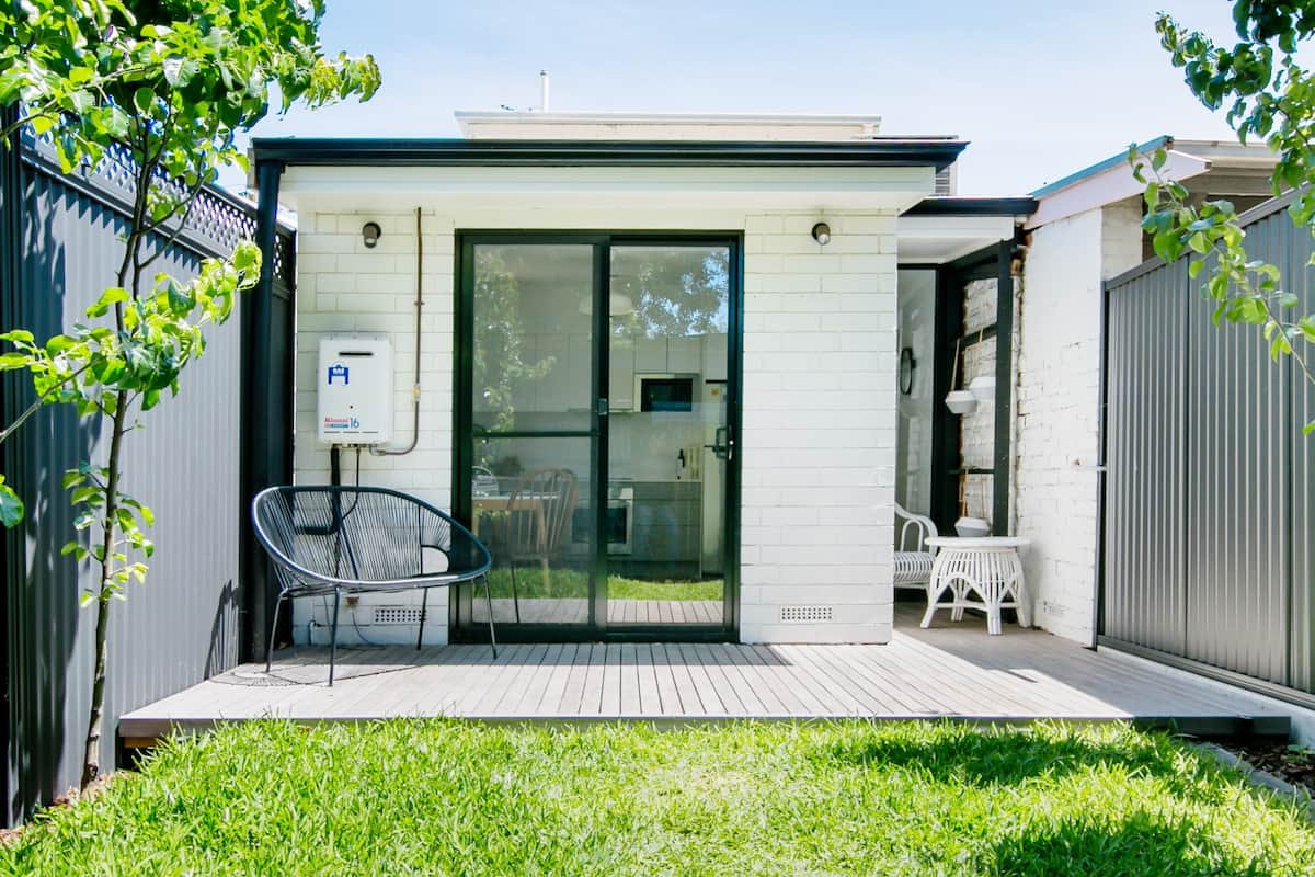 Quiet Chic Cottage in the Heart of the CBD