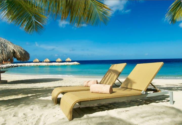 New Listing! Top Apartment Blue Bay Beach Resort