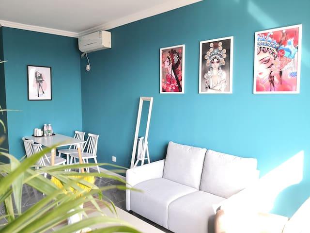 客厅一角,北欧风格,融入中国元素,品牌家居,给您高品质的享受,品牌卫浴,巨幕投影,享受惬意时光