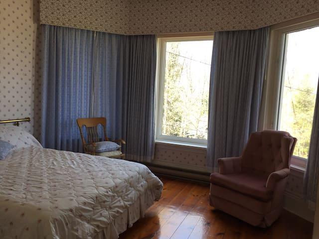 Lady Ellery's room