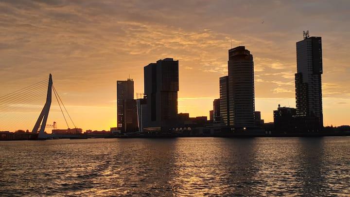 Luxe zeilcatamaran  in hartje Rotterdam