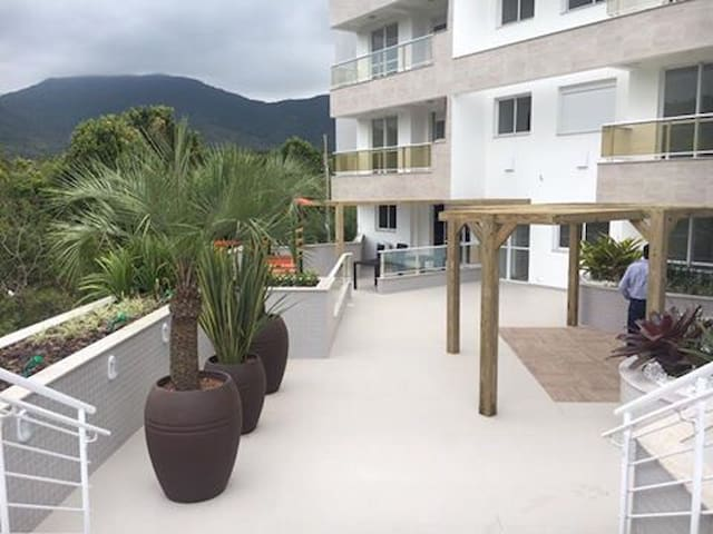 Conheça charmosa Praia de Palmas - Governador Celso Ramos - Apartment
