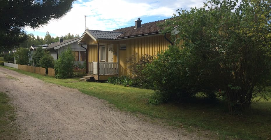 Hus på Öland bara 100 m från havet och badbryggan