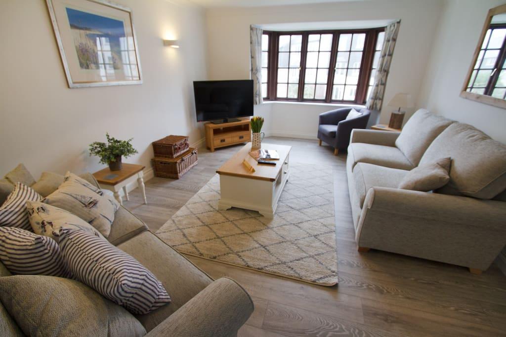 Bowline - living room