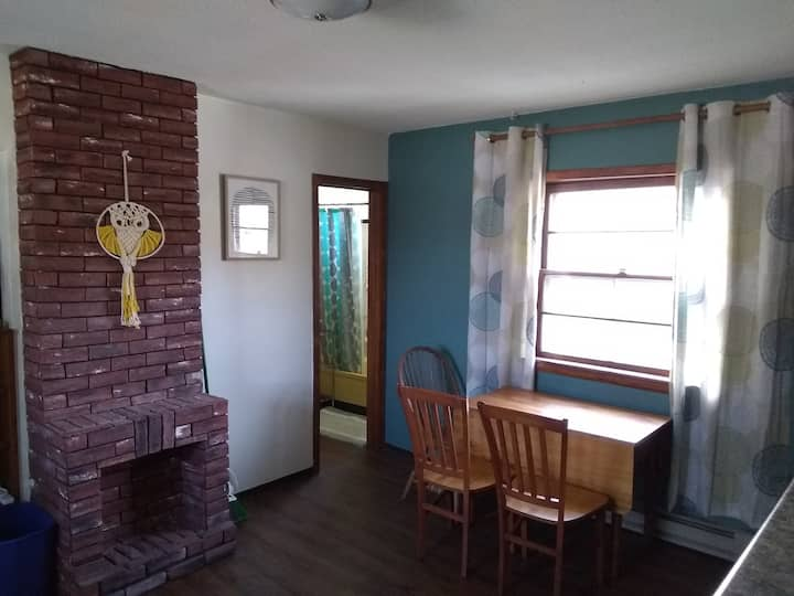 Boho Beauty Near Downtown Saint Paul (Room C)