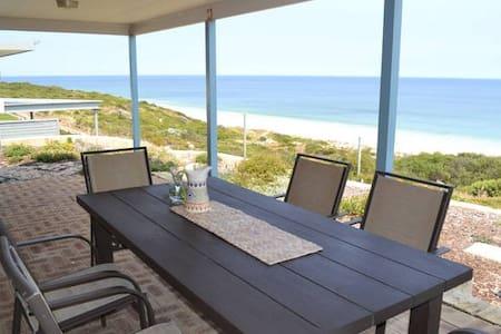 oceanside beach house - Peppermint Grove Beach