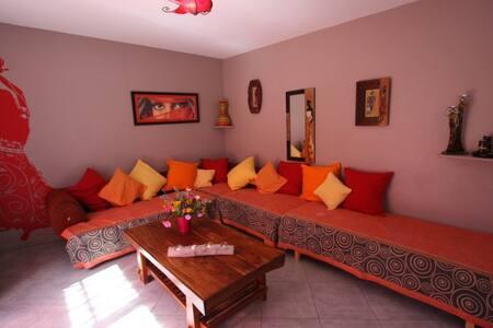 Villa aux couleurs du Sud - Ucel