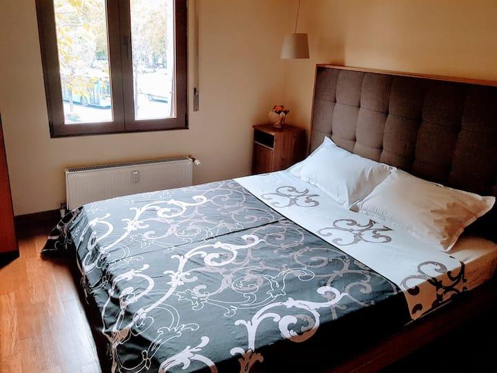 2 person private room centre Bucharest