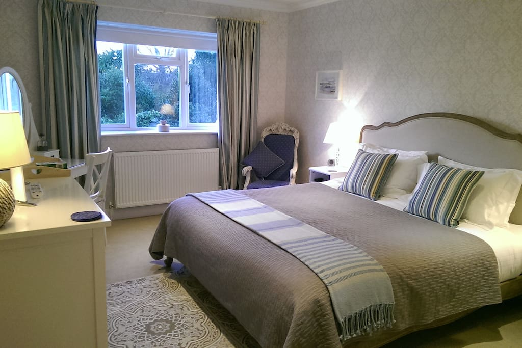 Super king delux room with en suite shower room from £95