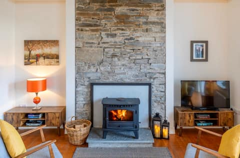 *NEW* The Old School House, Moymore, Lahinch