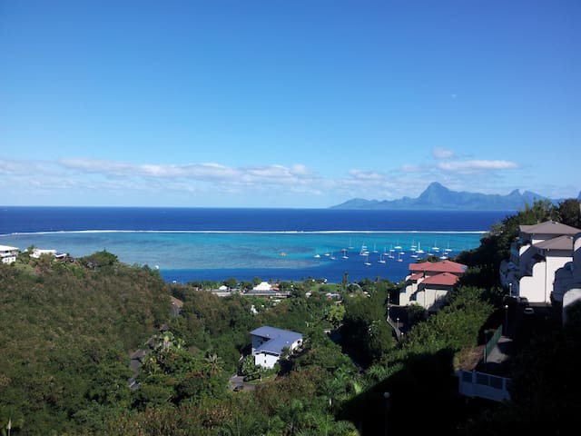 Beautiful apartment with Pool and View of Moorea - Puna'auia - Leilighet