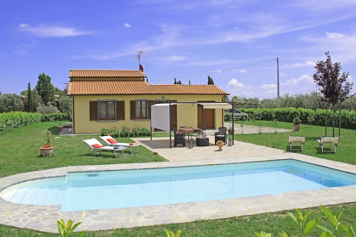 Centoia - Holiday Villa Rental with swimming pool in Tuscany