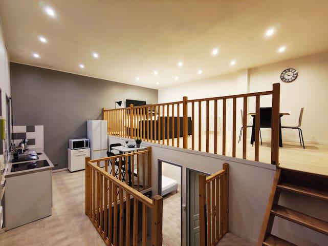 ★Loft 65 m2, Centre Ville★  Equipé & Confort