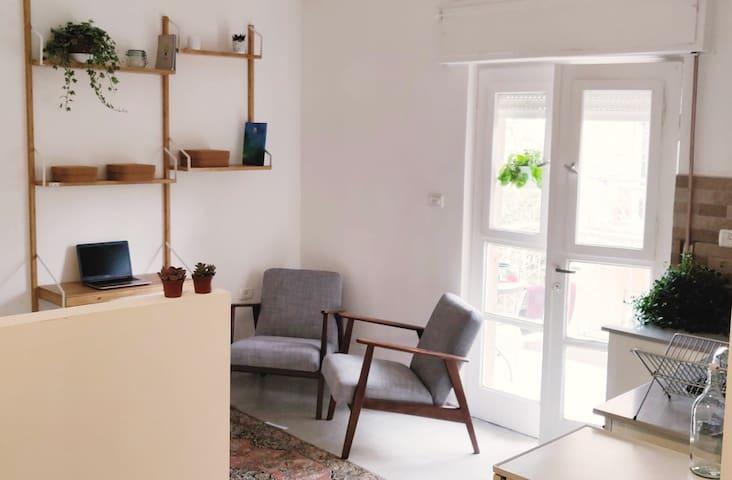 Cozy Studio apartment in Rehavia, Jerusalem