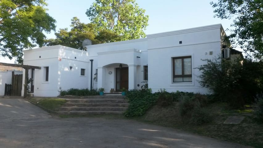 Casa familiar en Country - Yerba Buena - Huis