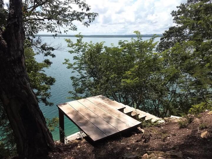 4 manzanas con acceso privado a Lago Peten Itzá