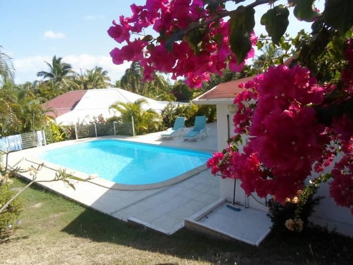 Villa à Saint François Ref G017A avec piscine privée pour 5 personnes à 300 m de la plage