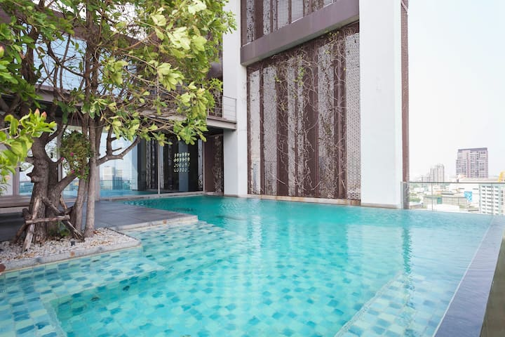 Sukhumvit Stunning view vacation designer loft