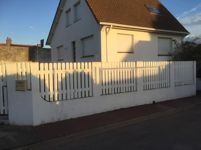 Grande maison en bord de mer, calme - Sangatte - Casa