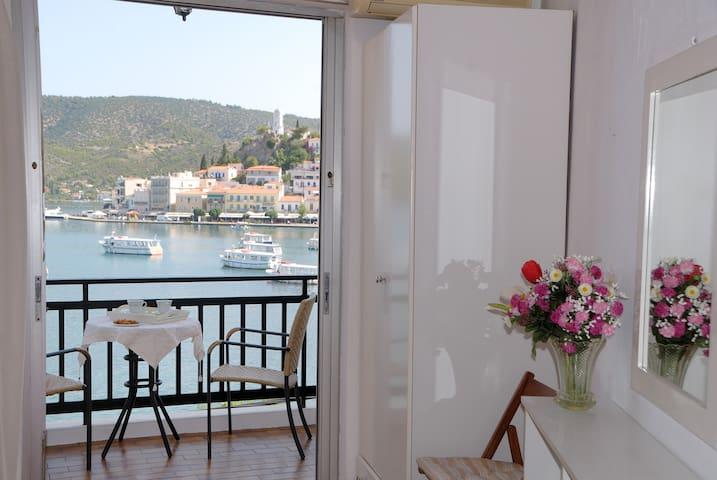 Galatas δωμάτιο με θέα