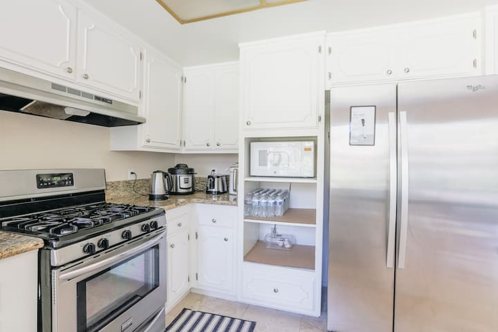 Two Private rooms  room(Winter +Autumn) - Westlake Village - House