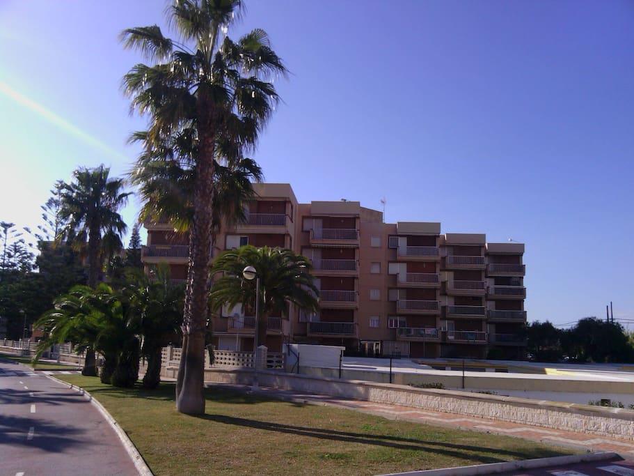 Apartamento con vistas a la playa y piscina apartamentos en alquiler en motril granada - Apartamentos en granada playa ...