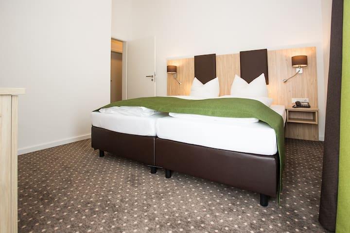 Gästehaus Turmblick (Bad Abbach), Ferienwohnung 2 im Dachgeschoss - kostenfreies WLAN