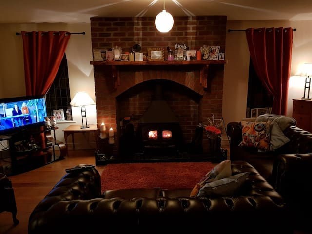 Self-Catering, Cosy, Ideal Location and Friendly!