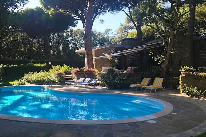 Punta Ala - Splendid villa with pool and garden