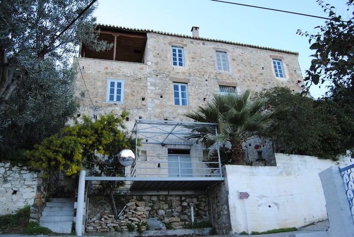 Leonidionhouses - The Melana Panorama House