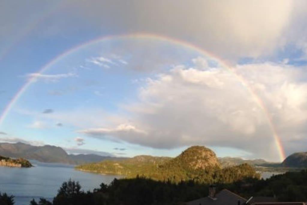 A rainbow from Aspøy to Høle
