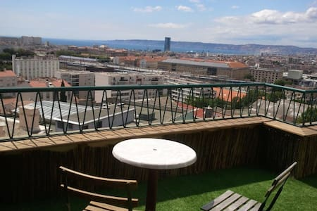 Sea view from great terrace&balcony. 40m², sunny. - Marseille