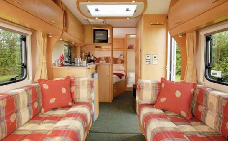 Caravan in small, secluded farmholding - Gloucestershire - Andre
