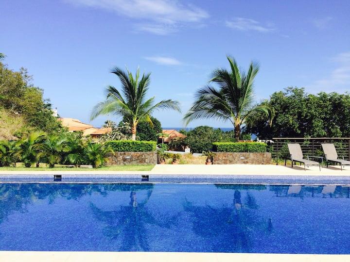 A Beautiful Modern Costarican condo- Tamarindo