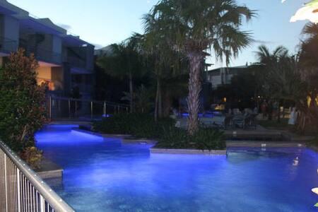 Drift Swim Up Apartment - South - Casuarina