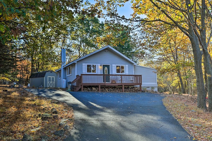 Updated Poconos Home w/ Pool, Lake & Beach Access!